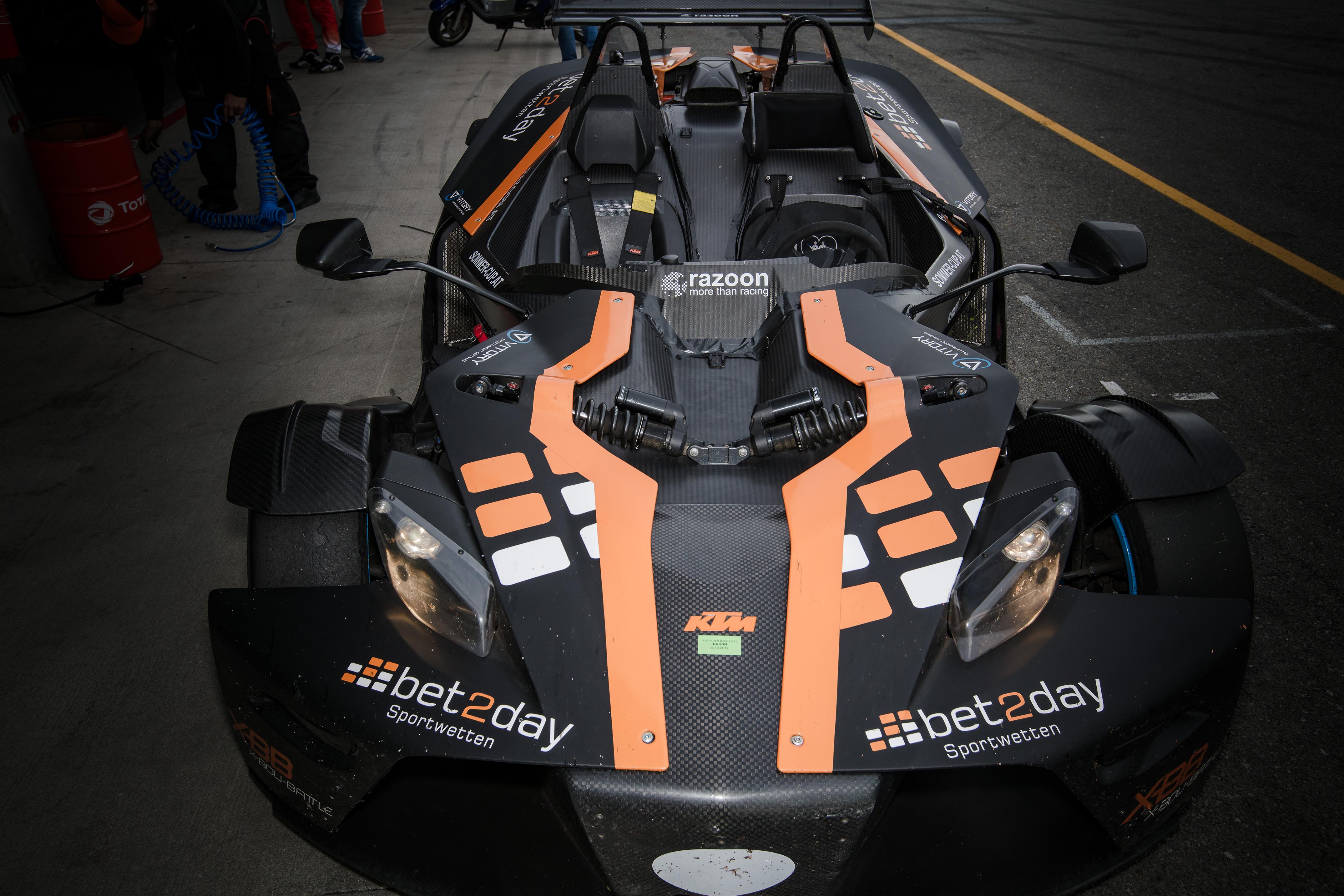 Rennen_Automotodrom-Brno_Circuit_Czech_Republik_Print05.-Oktober-2017324-1
